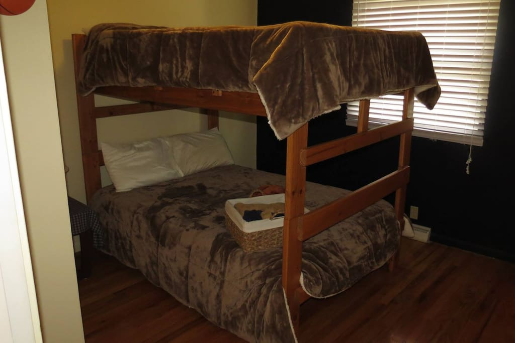 The Basketball Room has 2 double beds bunk style.  Can sleep up to 4 people.