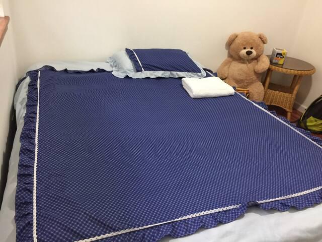 Cozy clean queen bed RH5-1 - Redmond - Casa