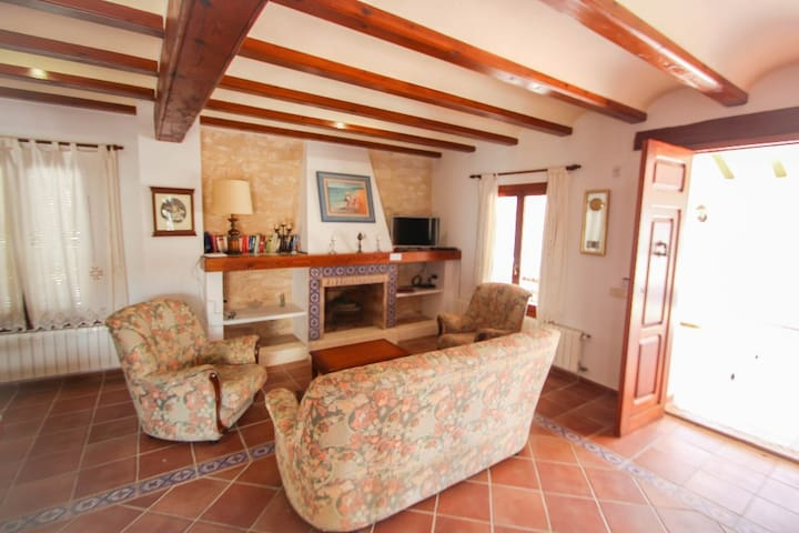 Finca Pere - panoramic hillside holiday house in Benissa