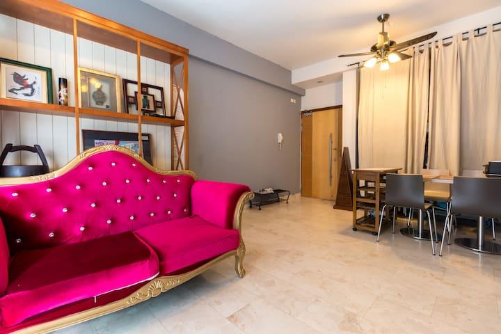 Spacious Cozy Apartment near City MRT & Food