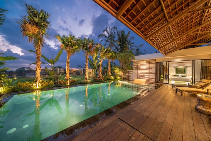Stunning 2-Bedroom Villa with Rice Paddy Views