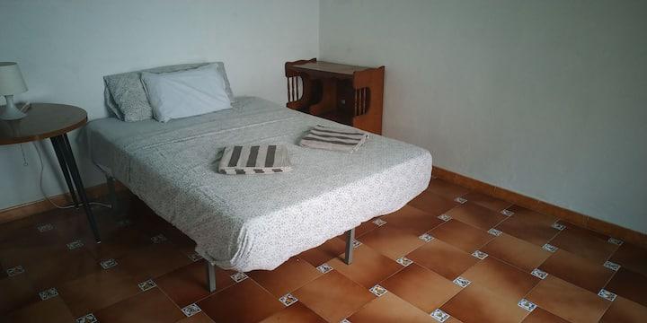CITY CENTER Bedroom BigTERRACE+PATIO 1kmBeach