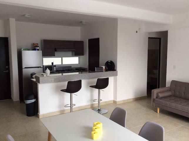 Linda habitación en moderno depto - Cancún - Apartment