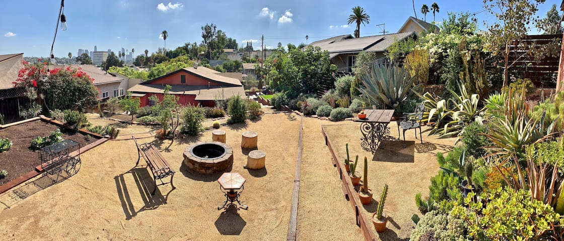 Clean Echo Park Private - Hillside Garden Views