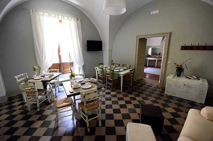 Antico Palazzo finemente ristrutturato e arredato - Piazza Armerina - ที่พักพร้อมอาหารเช้า