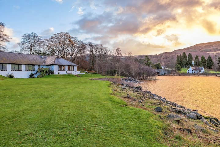 Charming Cottage Along Loch Tay | Access to Indoor Pool + Hot Tub
