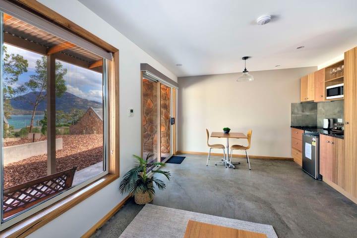 Freycinet Stone Studio 8 - Sandstone