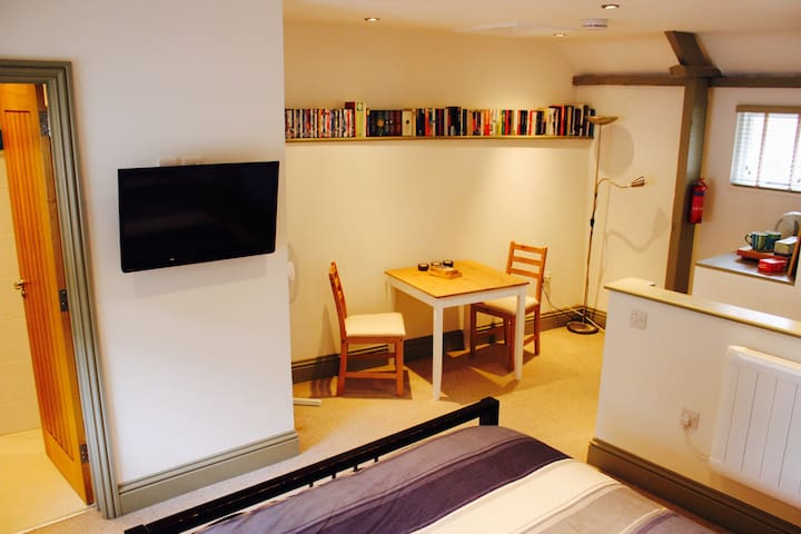 Private riverside accommodation in Abingdon - Abingdon - Guesthouse