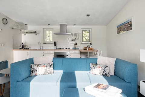 Enjoy paradise in the Watervliet Cottage on Noord-Beveland