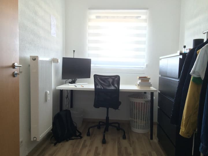 Möbliertes Zimmer in Studenten WG