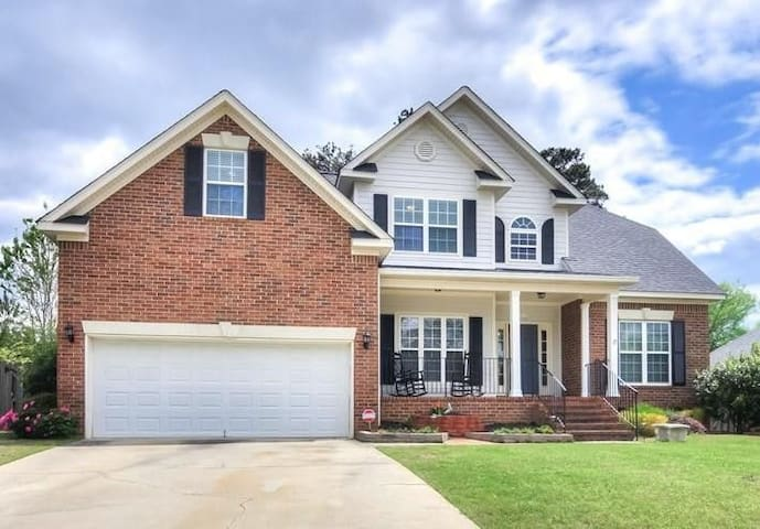 Masters Rental with Private Pool
