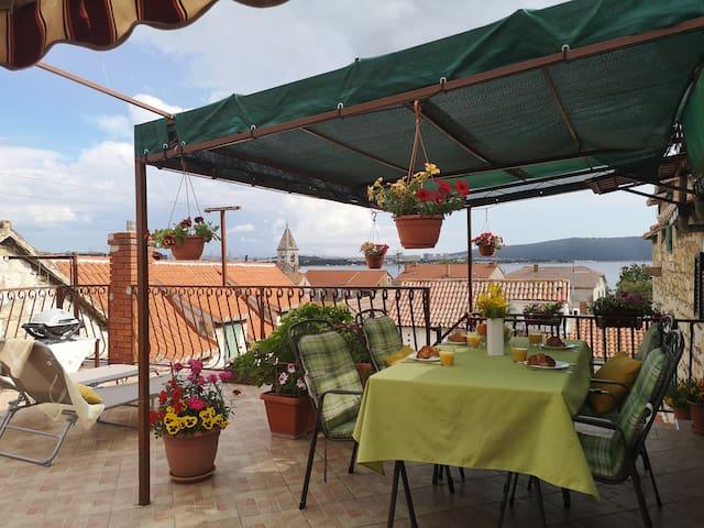 Apartment Malea :terrace,near promenade,view,grill