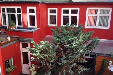 Romantisches Hinterhaus Eimsbüttel - Hamburg - Apartment