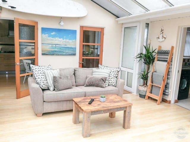 Stylish one bed Coastal apartment