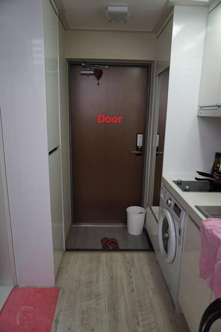 현관 Door
