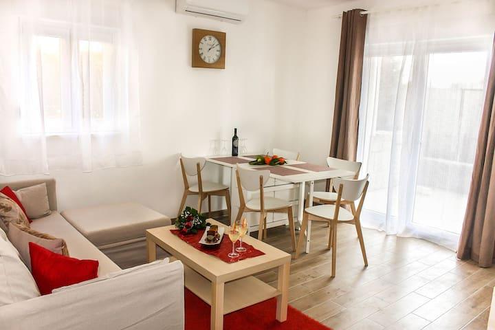 Apartment Karoglan - Free Parking - Beach Nearby