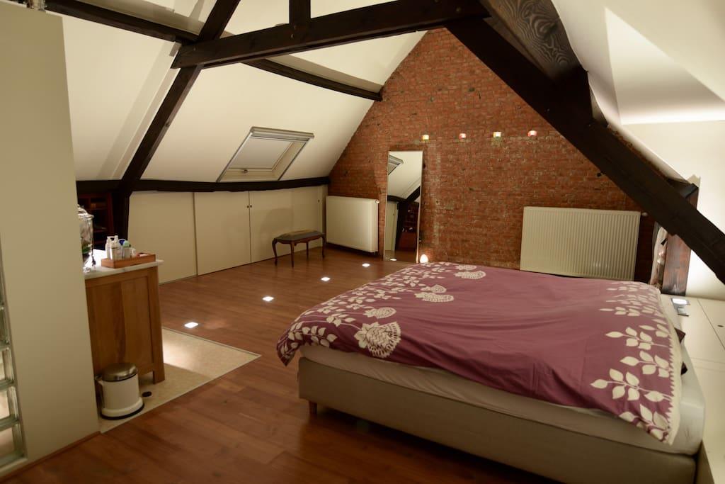 Master Bedroom > 2nd floor