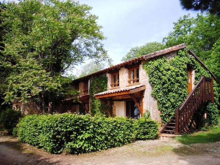 Dordogne Holiday Resort **** Cottage 8/11 pers