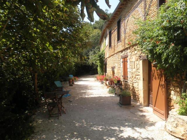 Gite 8 pers Lascaux, piscine chauffée, parc &wifi - Montignac - Natuur/eco-lodge