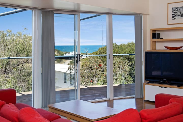 McCallum House - ocean views from every room - Binningup - House