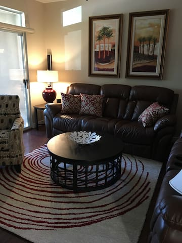 Beautiful 3 bedroom Condo in Chandler! - Chandler - Flat