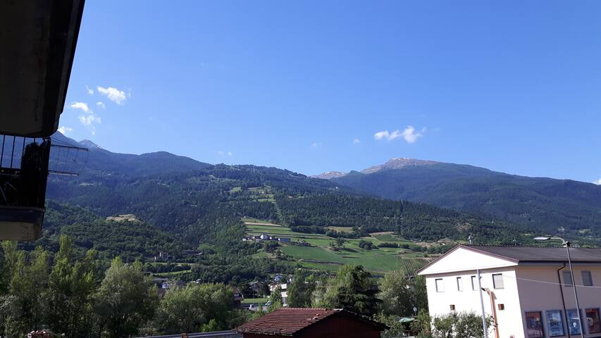 Aosta vicino telecabina per Pila