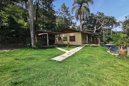 Finca La Casita (Riverfront house)