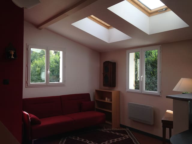 Studio Neuf Meublé dans une maison - Sorel-Moussel