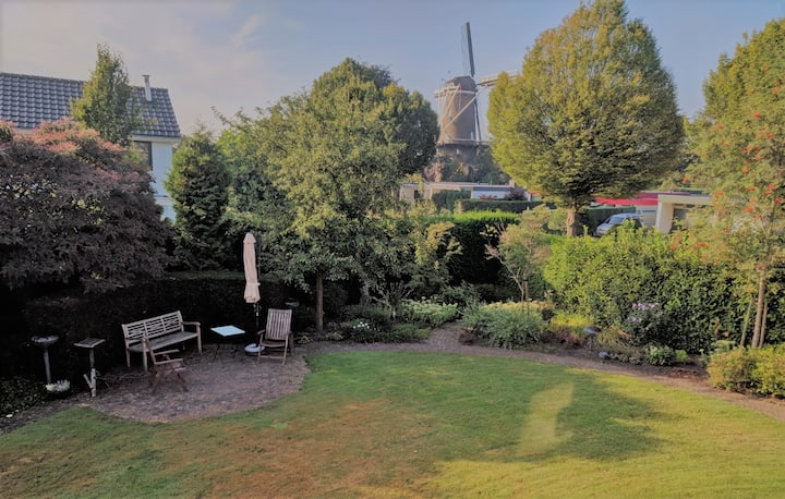 Kamer in huis met fijne tuin & zicht op de molen
