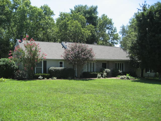 Nashville Private and spacious 2 Bedroom Aprt. - Brentwood - Byt