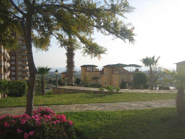Groot appartement met vrij uitzicht - Mahmutlar Belediyesi - Apartamento