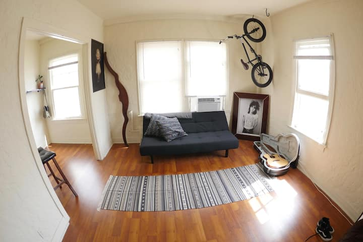 Beautiful Studio with downtown veiws | Koreatown