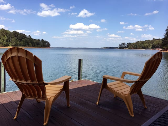 Great Dam View! LAKEFRONT 3BR/2B at Lake Hartwell - Hartwell - Hus