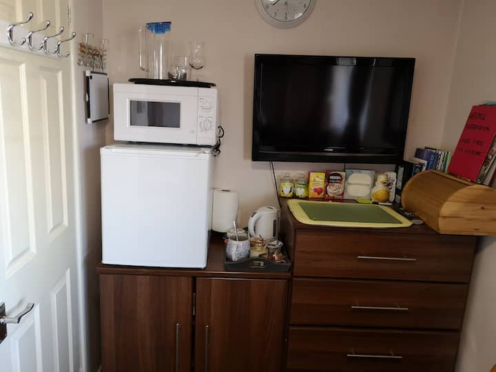 room: close to NES and the Gorton Centre