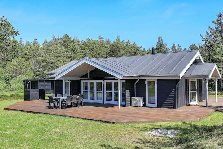 Beautiful Holiday Home in Ålbæk with Sauna