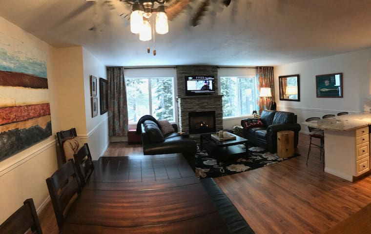 Stunning FOUR bedroom, True SKI in/out, at village