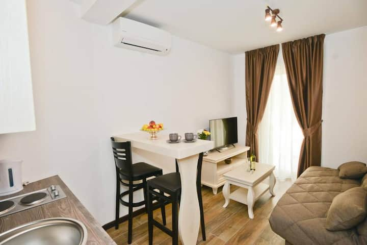 Casa Nuova - Deluxe Apartment in Kotor