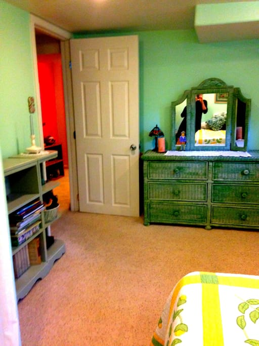 sweet basement suite in w highlands houses for rent in
