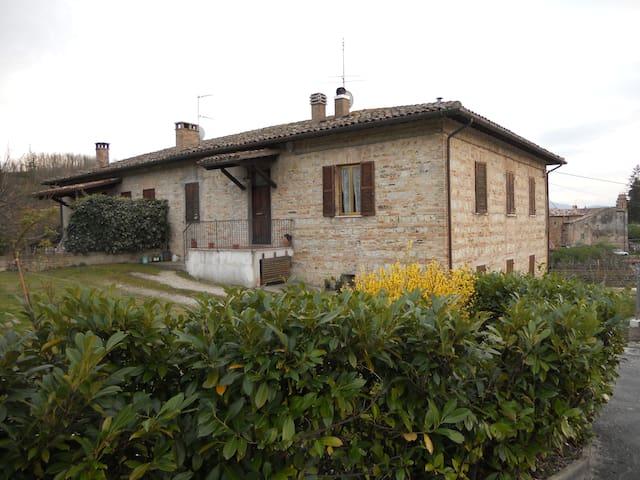 Casolare nella campagna urbinate - Urbino - Apartamento