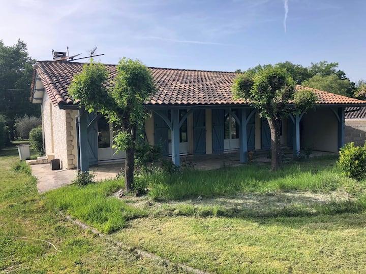 Charmant maison, proche de St-Emilion