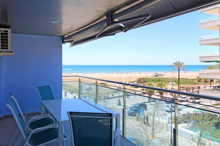 fantastic Apartment on first line beach