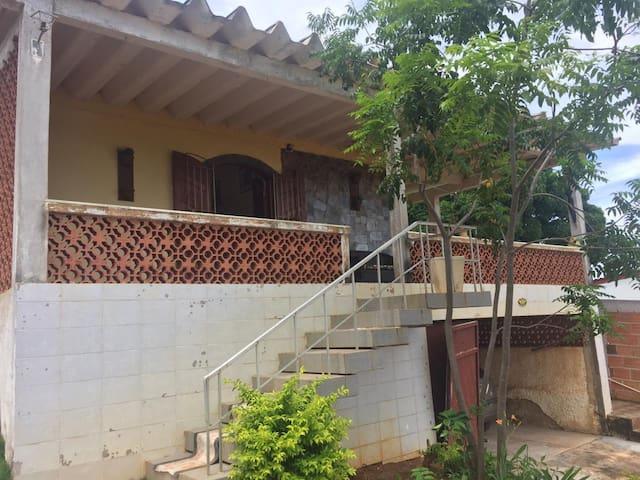 Linda casa ampla privativa em Araruama