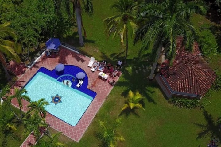 * FANTASTIC * 4BR • COUNTRY HOME / FINCA