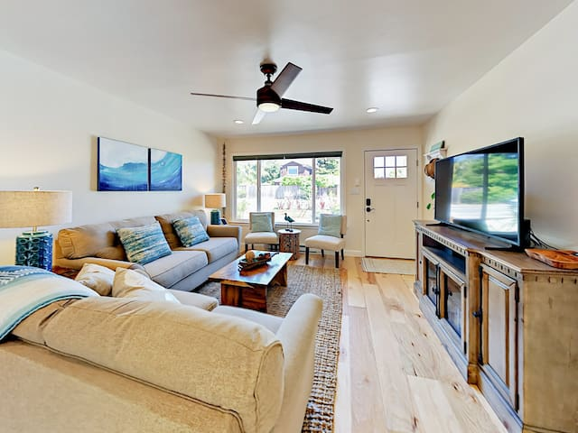 Walk to Beach & 41st Ave! 3BR
