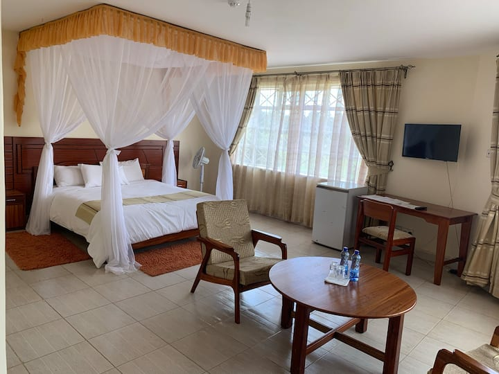 CORAT Hotel, Quiet, Serene 15 Minutes from Airport