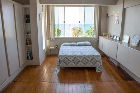 *Huge beach-front suite in creative spacing! - Fortaleza - Daire