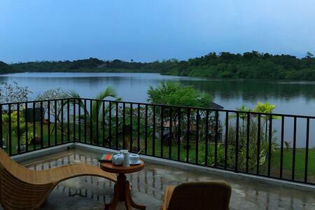 Blue Mangrove Villa - Elpitiya