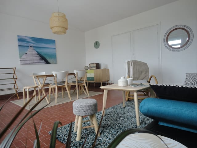 APARTMENT LOCATED 50 METERS FROM THE SEA