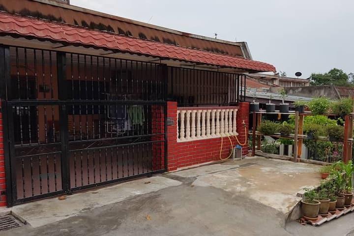 Zainurul Home (Taman Saga, Mentakab, Pahang)