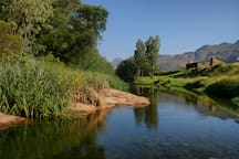 Mooiplaas River Cottage next to the Breede River, Farm Stay, Pet Friendly